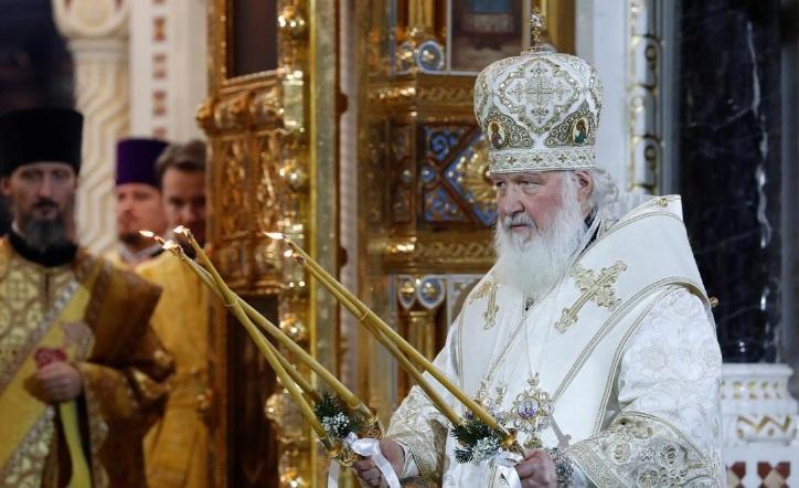 اقدام کلیسای ارتدوکس برای مقابله با کرونا: دور گرداندن شمایل مقدس در شهر