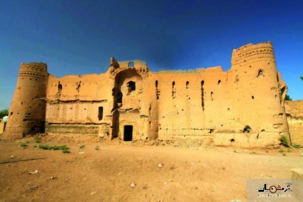 قلعه خاکی فهرج؛ یکی از آثار تاریخی استان کرمان، عکس